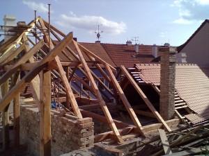 1. Rekonstrukce historické střechy v Třebíči chráněné UNESCO_Starwork