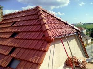3. Demontáž krytiny a střešních latí  rodinného domu a jejich opětovná instalace včetně podstřešní folie_Starwork