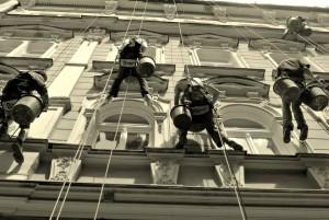 3. Oprava fasády hotelu na Praze 1_Starwork_práce z lana