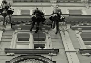 4. Oprava fasády hotelu na Praze 1_Starwork_práce z lana