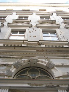 4. Rekonstrukce fasády bytového_Starwork.cz_práce z lana