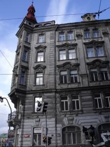 5. Oprava havarijní fasády a prejzové střechy na nábřeží v Praze_Starwork.cz