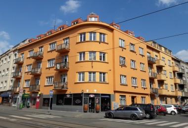 Rekonstrukce fasády rohového bytového domu