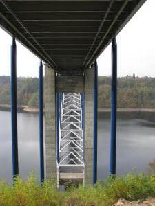 5 Starwork sanace nosných betonových konstrukcí Žďákovského m ostu