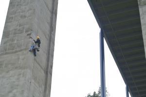 9 Starwork sanace nosných betonových konstrukcí Žďákovského m ostu