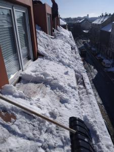 Odstraňování sněhu ze střech Praha STARWORK 5