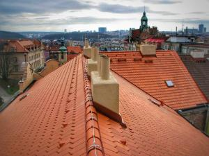 Rekonstrukce střech Praha STARWORK výškové práce. Rekonstrukce střech STARWORK.