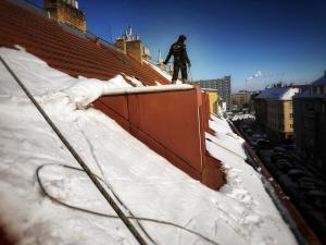 STARWORK odstraňování sněhu ze střech Praha